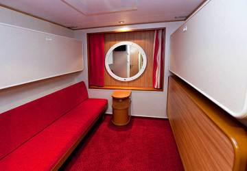 tallink_silja_baltic_queen_4_berth_inside_cabin